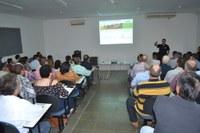 APTA realizou evento para discutir genética e tecnologia do amendoim em Adamantina